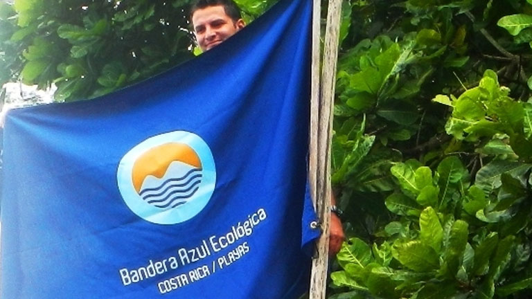 Nicuesa Beach received the prestigious Costa Rica Ecological Blue Flag Award this year for the 7th time