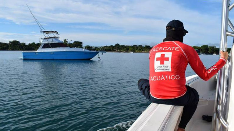 Swimmers in the Golfo Dulce open water race were accompanied by rescue personnel