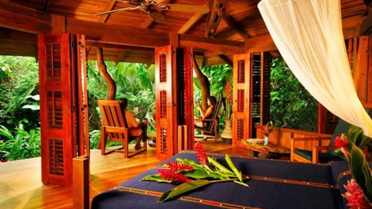 Private cabin at Playa Nicuesa Rainforest Lodge
